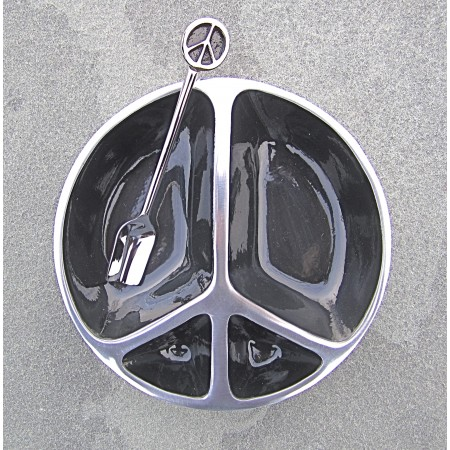 Black Enamel Peace Dish with Shpoon